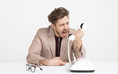 Nem érted? Összetörött! Nem tudok bemenni dolgozni- nincs pótszemüvegem!!!